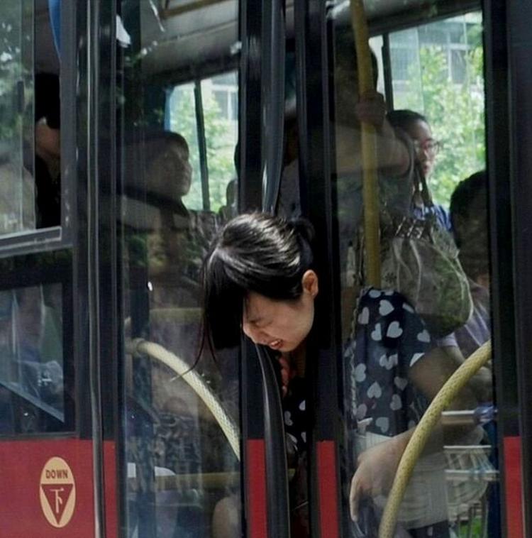 Sitte fast på bussen