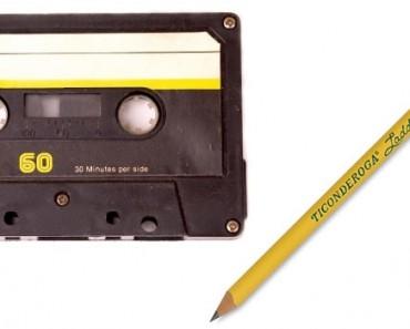 Tvinne opp kassettbåndet med en blyant
