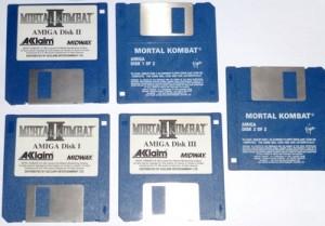 Gode(?), gamle disketter: Please insert disk 2