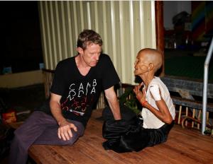 Scott Neeson bekjemper fattigdom i Kambodsja